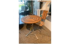 Cappuccino Havebord og stol - Kircodan (UDSTILLINGSMODEL)